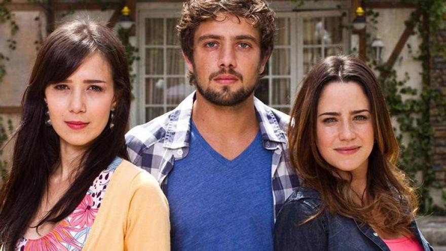 Manu se casou com Rodrigo, que era namorado da irmã - Divulgação/Globo