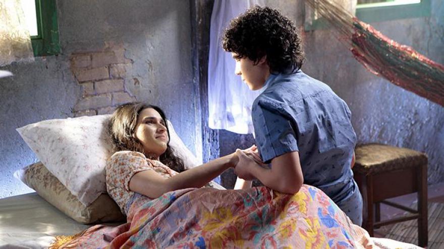Luciana Vidal e Igor Jansen sendo dirigidas por Reynaldo Boury em cena decisiva