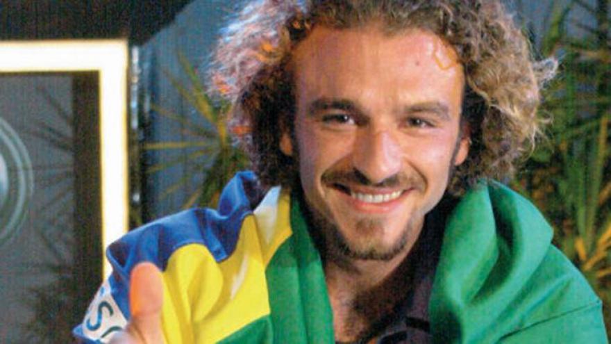 Sérgio era gringo no BBB1 e fez par romântico, o primeiro da história. De qual país ele é?