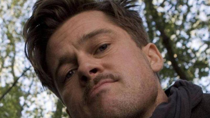 Em Bastardos Inglórios (2009), o Tenente Aldo Raine (Brad Pitt) lidera um grupo de soldados judeus aliados em um plano para assassinar os líderes políticos da Alemanha nazista. O galã se inspirou em Don Corleone (Marlon Brando), de O Poderoso Chefão (1972).