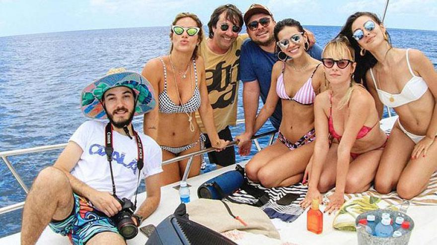 Bruna Marquezine e amigos em Fernando de Noronha