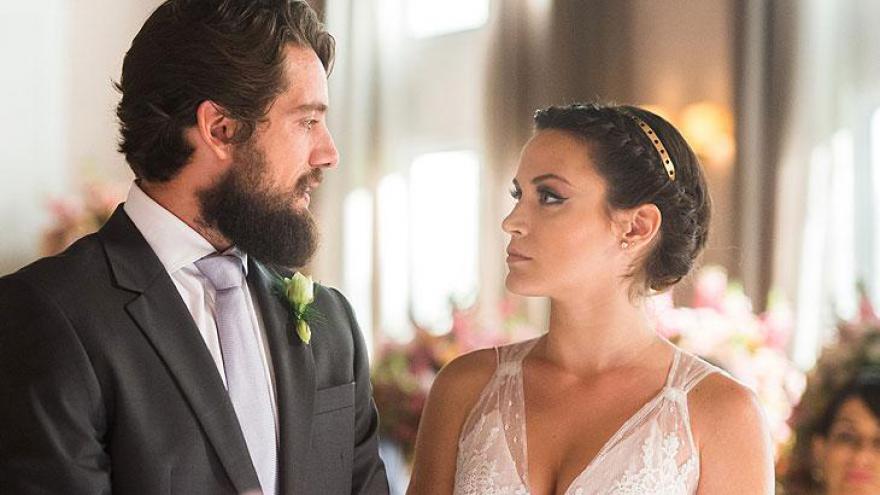 Casamento de Clara ( Bianca Bin ) e Renato ( Rafael Cardoso )