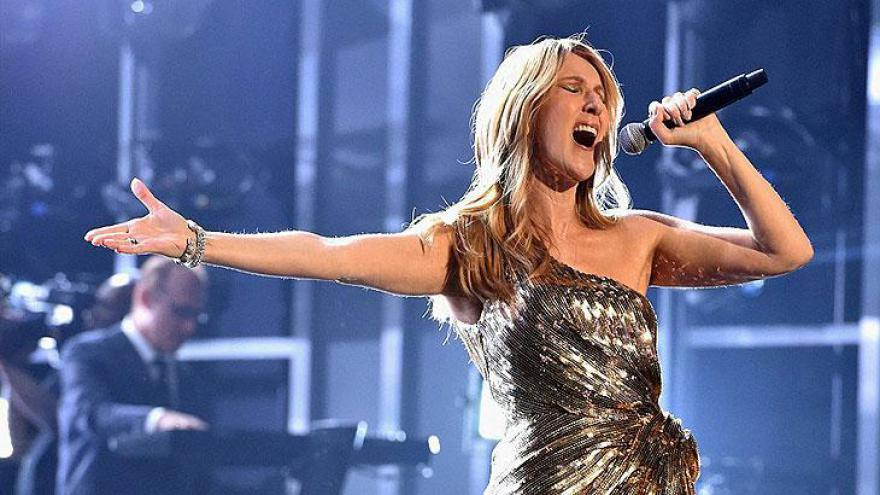 """Celine Dion cantou """"My Heart Will Go On"""