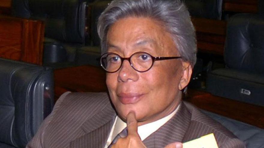 Clodovil Hernandes foi estilista, apresentador, deputado federal. Morreu aos 71 anos.
