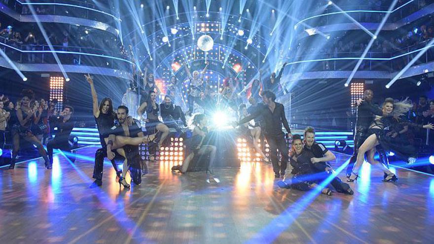 Apresentação no palco do Dancing Brasil