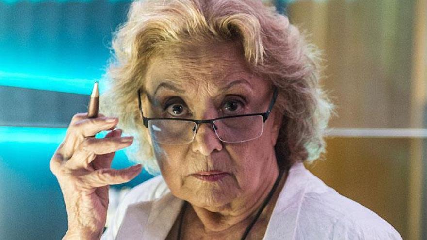 Doutora Petra ( Eva Wilma )