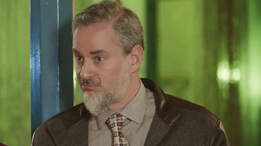 Eurico (Dan Stulbach) abre o jogo sobre a irmandade e causa confusão com Marilda