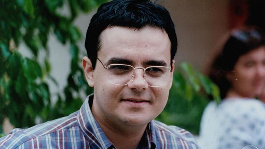 Edu (Cássio Gabus Mendes): Hacker de 1996