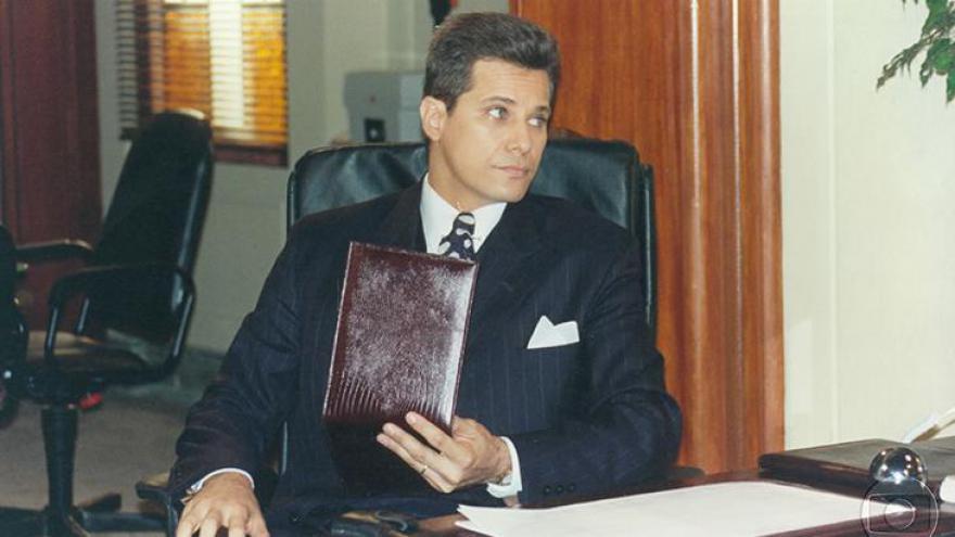 Júlio (Edson Celulari)