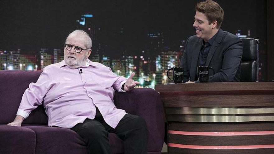 O humorista também conta como foi sua transferência da Globo para o SBT