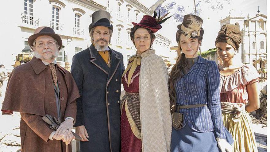 Teófilo ( Kiko Mascarenhas ), Dom Sabino ( Edson Celulari ), Dona Agustina ( Rosi Campos ), Marocas ( Juliana Paiva ) e Damásia ( Aline Dias ).