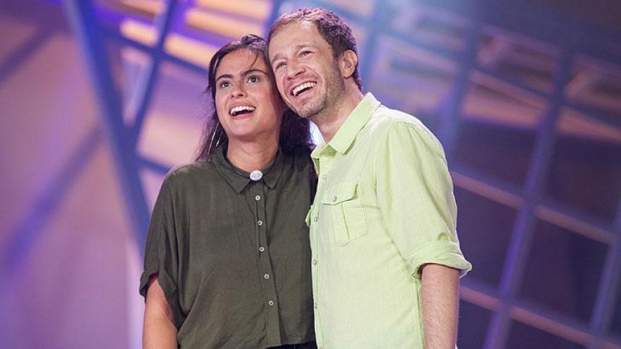 Hana e Tiago Leifert após a eliminação
