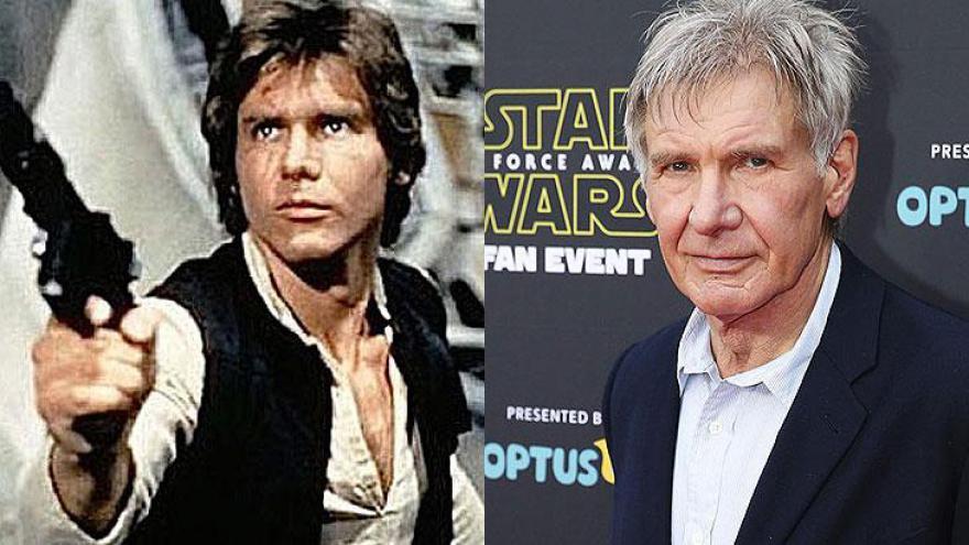 """Harrison Ford (13/07/1942): o intérprete de Han Solo na saga """"Star Wars"""" é também conhecido por seu papel como o arqueólogo Indiana Jones na franquia de mesmo nome. Em 2015, voltou a dar vida ao personagem em """"Star Wars – O Despertar da Força"""", matando a"""