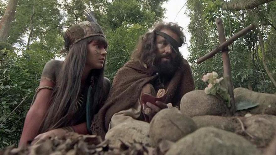 Jacira ajuda Ferdinando em sua busca pela cura da doença que tirou a vida de Letícia, sua falecida esposa
