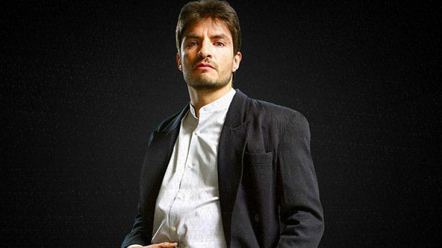 Juan Carlos Olivas como El Güero é o sócio principal de Joaquín.
