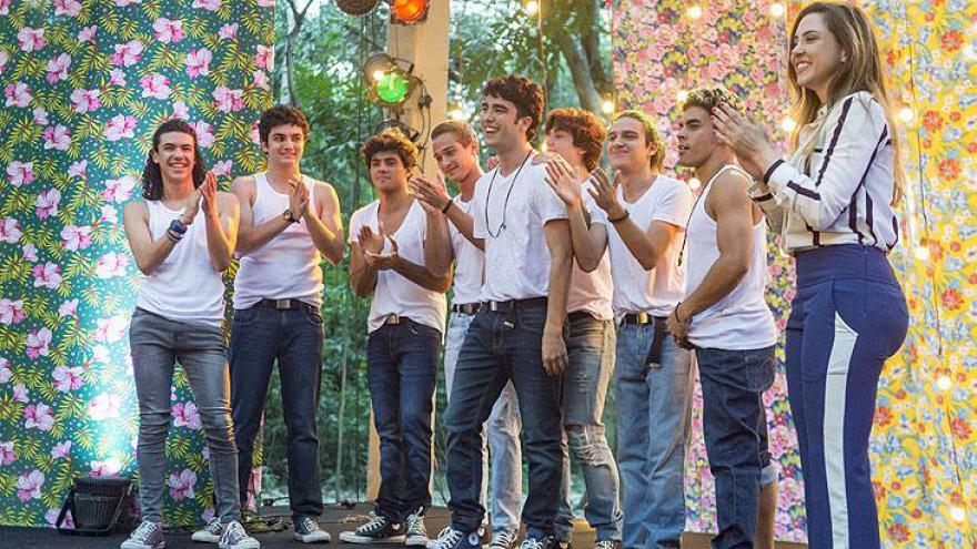 Boy band formada por Hugo ( Leonardo Bittencourt ), Kavaco ( Gabriel Contente ), Michael ( Pedro Vinícius ), Érico ( Gabriel Fuentes ), Márcio ( André Luiz Frambach ), Alex ( Daniel Rangel ), Tito ( Tom Karabachian ) e Leandro ( Dhonata Augusto ).