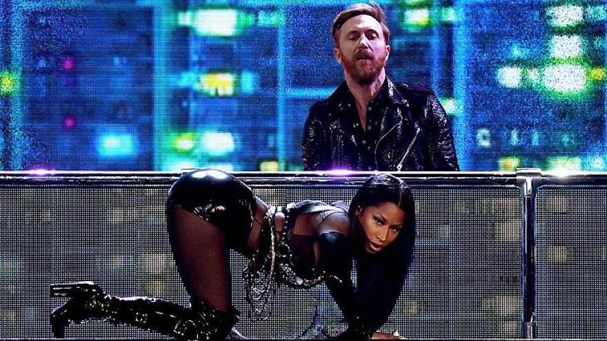Nicki Minaj fez a abertura com uma apresentação de nove minutos.