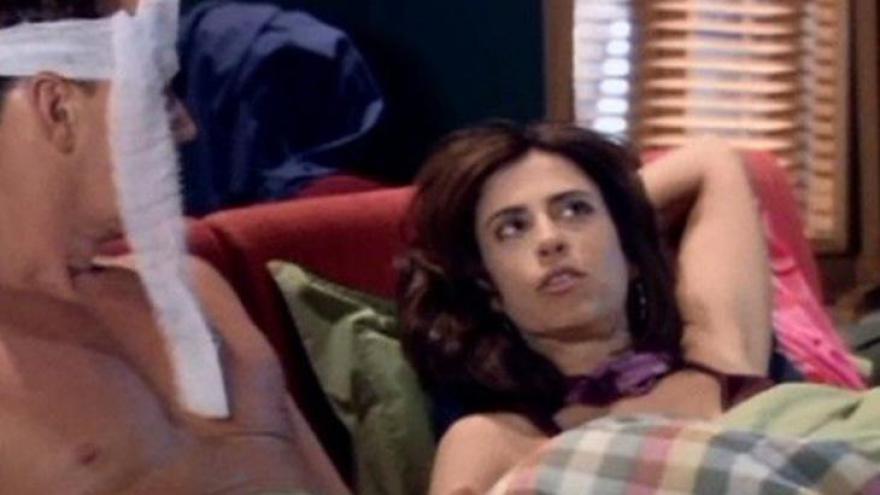 Vocês estão indo pra cama dormir quando o casal do apartamento ao lado inicia uma briga daquelas. Qual sua reação?