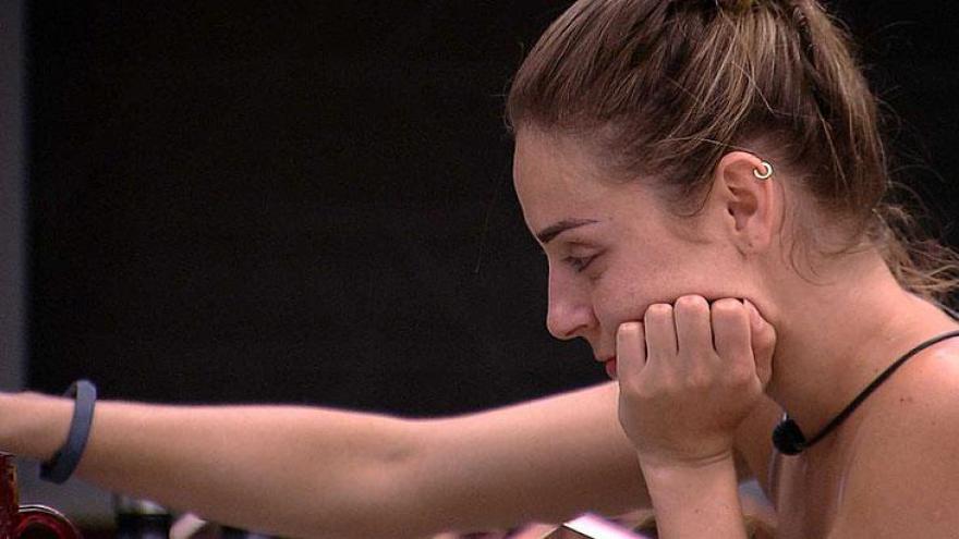 Paula chora após Festa Identidades ao ver homenagem a sua porca Pippa