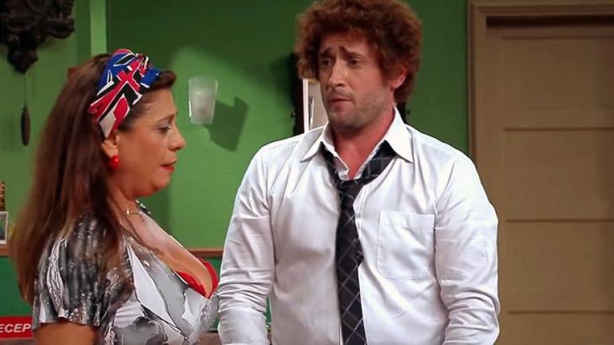 Paulo Gustavo e Catarina Abdalla na estreia do Vai Que Cola