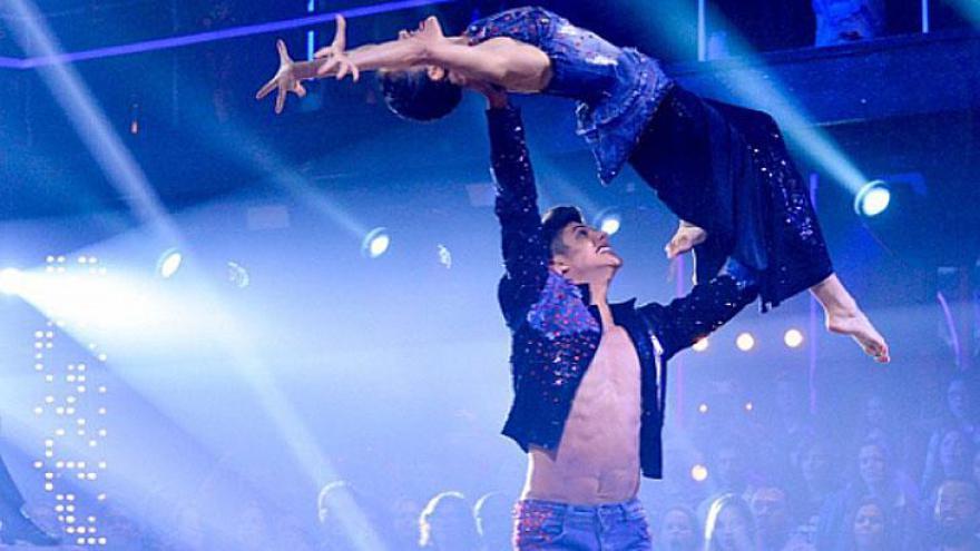 Paulo Victor venceu a última temporada do Dancing Brasil ao lado de Maytê Piragibe.