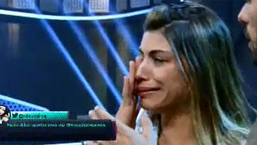 Franciele chora após brigar com Diego na frente de Gugu