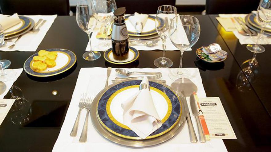 SBT promoveu um almoço entre jornalistas e Ratinho para comemorar seus 20 anos de emissora