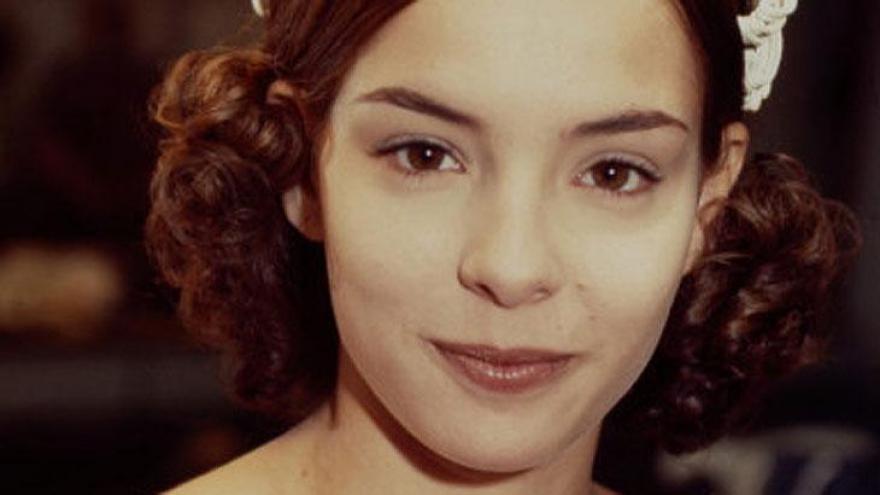 A trama tinha Regiane Alves, Marcos Damigo, Heitor Martinez e Glauce Graieb nos papeis principais.
