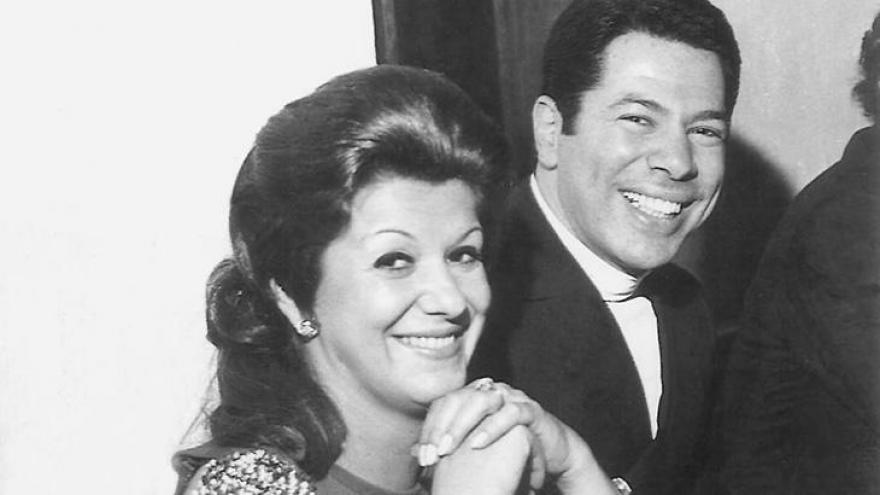 Silvio Santos com sua primeira esposa, Cidinha