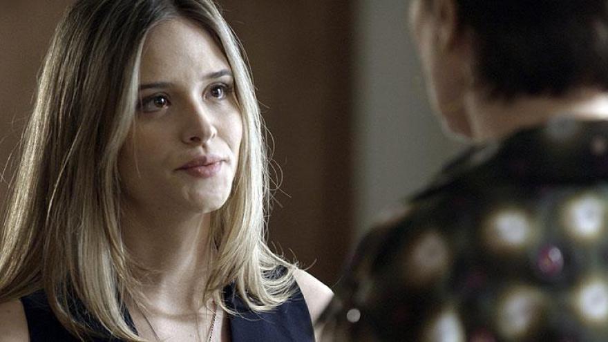 Simone descobre que Silvana estava mentindo