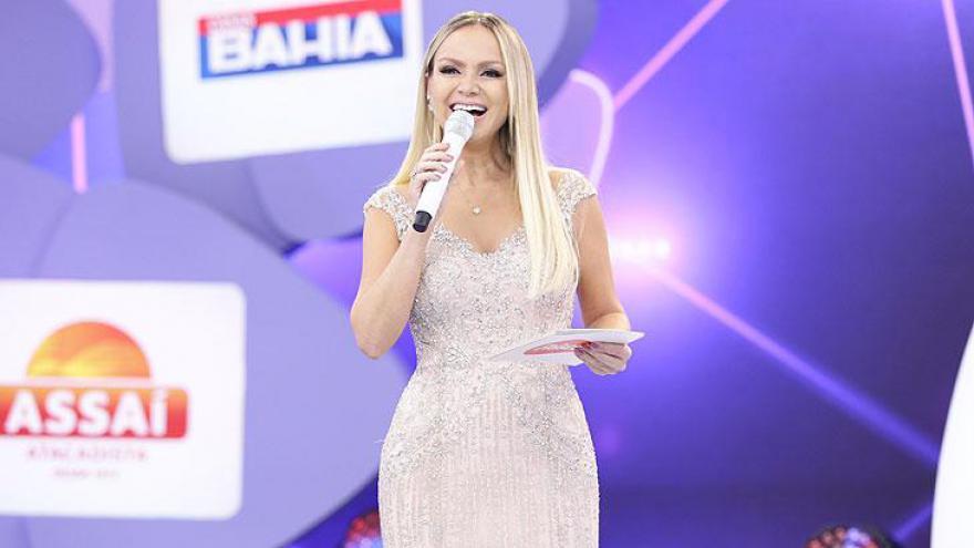 Eliana no palco do Teleton 2017
