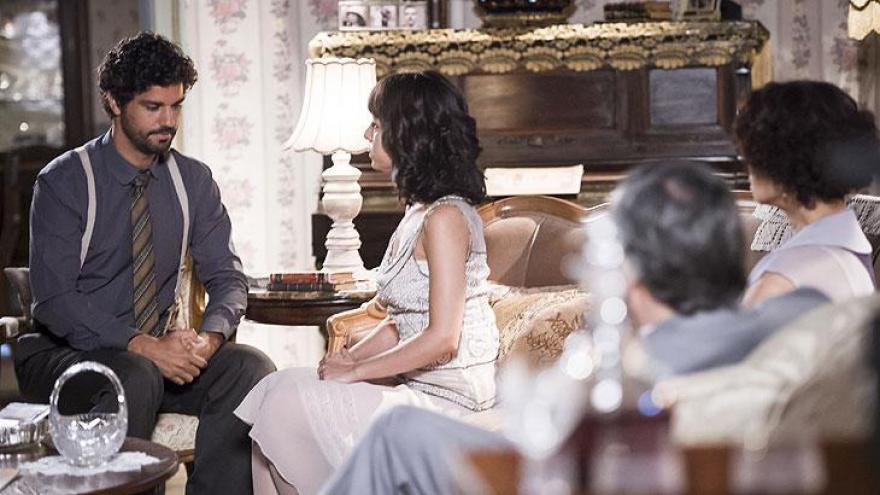 Inácio pede Lucinda em casamento