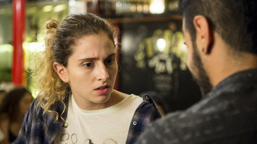 Ivana conhece Tereza e fica perplexa com sua história.