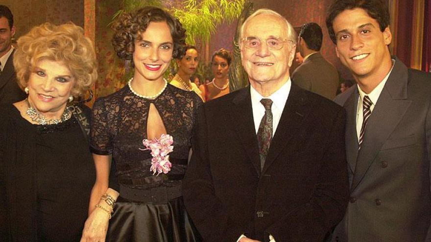Tonia Carrero, Brígida Menegatti, Paulo Autran e Jonathan Nogueira
