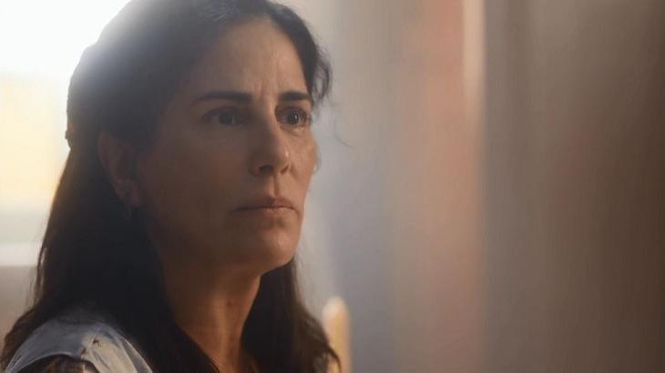 Éramos Seis: Pressionada por Júlio, Lola pede dinheiro emprestado e é humilhada por Emília