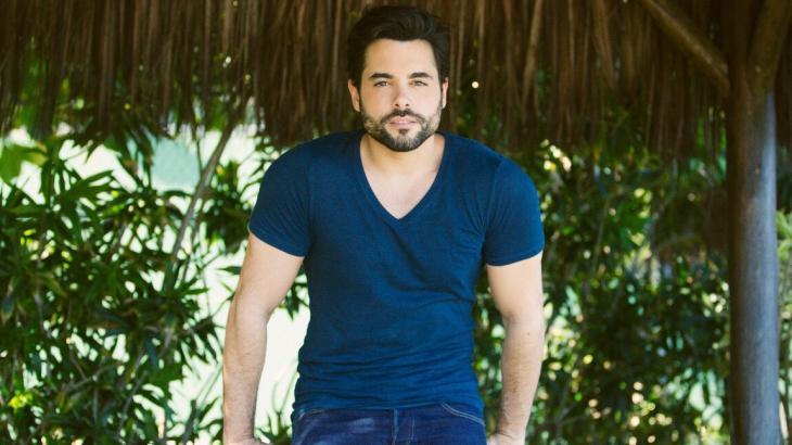 Pedro Carvalho quer perder sotaque português para fazer mais novelas no Brasil