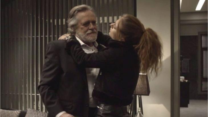 Sabrina e Otávio matêm um relacionamento sugar em
