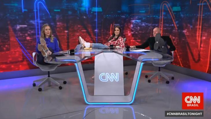 Apresentadores do CNN Brasil Tonight tiram onda ao reagirem as críticas - Foto: Reprodução