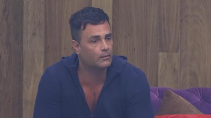 Rodrigo Phavanello analisou e criticou saída de Tati Dias do reality show A Fazenda (2019)