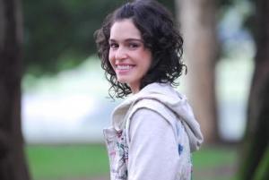 Atriz Maria Flor irá escrever e dirigir nova série no Multishow