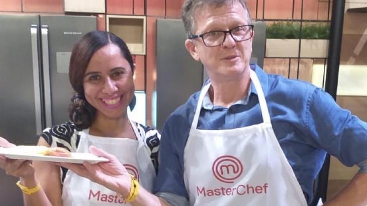 Repórter do NaTelinha fez dupla com Ricardo Feltrin: para cozinheiros, são ótimos jornalistas