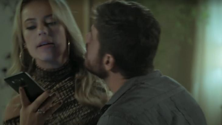 Na novela A Força do Querer, Jeiza vai frustrar Zeca - Foto: Reprodução/Globoplay