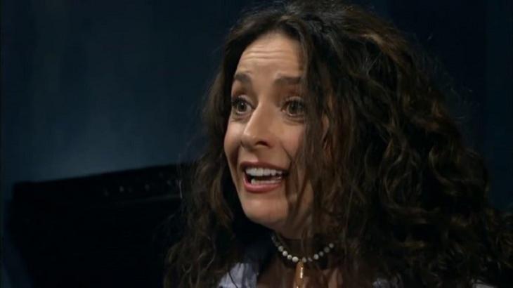 A Que Não Podia Amar: Cínthia foge da cadeia e Ana Paula fica apavorada