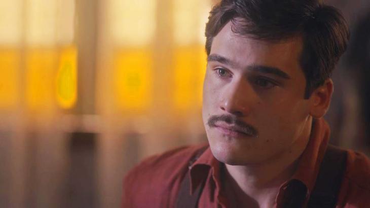 Éramos Seis: Com a morte do pai, Alfredo decide se tornar um novo homem