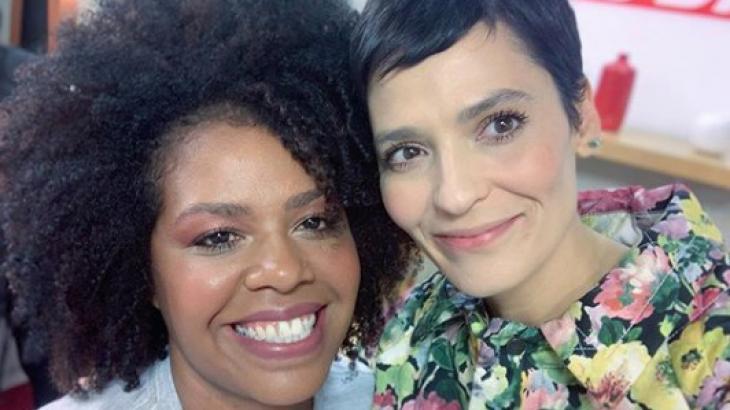 """Maquiadora do """"Esquadrão da Moda"""" é criticada por maquiagem em pele negra e rebate"""