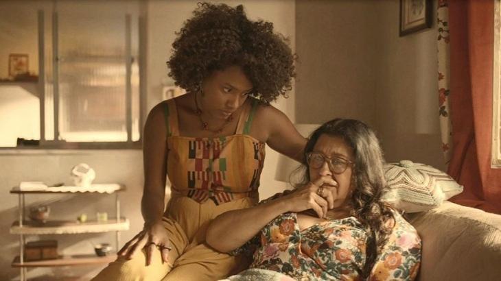 Lurdes e Camila em cena de Amor de Mãe