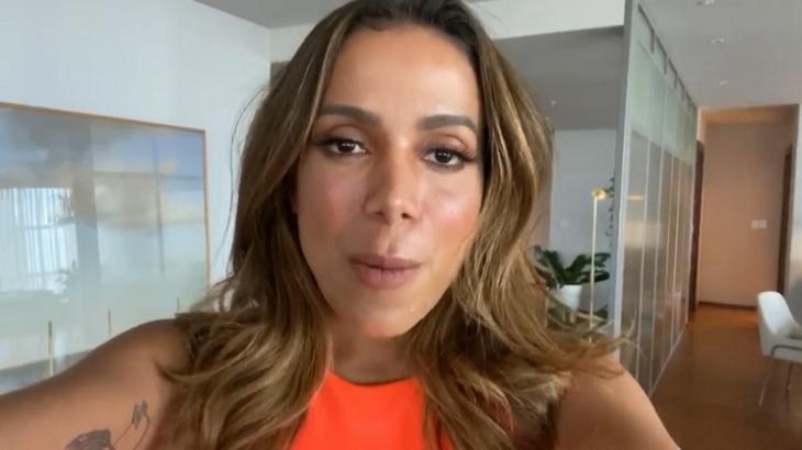 Anitta em vídeo para a CNN Brasil