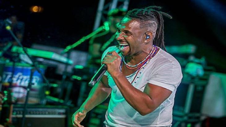Beto Jamaica fica noivo aos 54 anos - Reproduçao