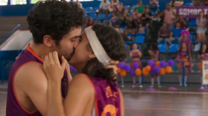 Bom Sucesso: Após beijo entre Gabriela e Vicente, time adversário pede anulação do jogo