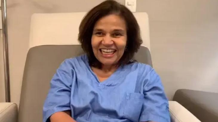 Após receber alta, Claudia Rodrigues grava vídeo e agradece fãs